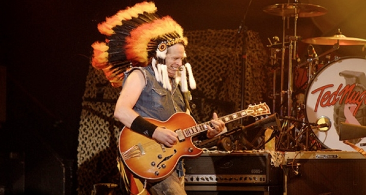 ted-nugent-indian-headdress